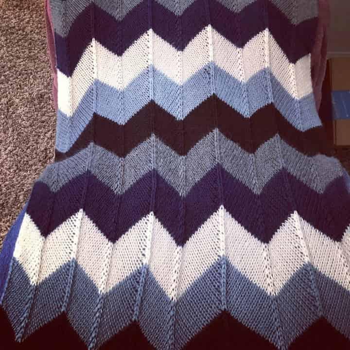 Chevron Knitted Baby Blanket @KellyKatKnits