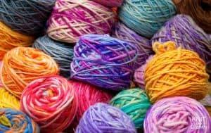 Multicolored yarn cakes