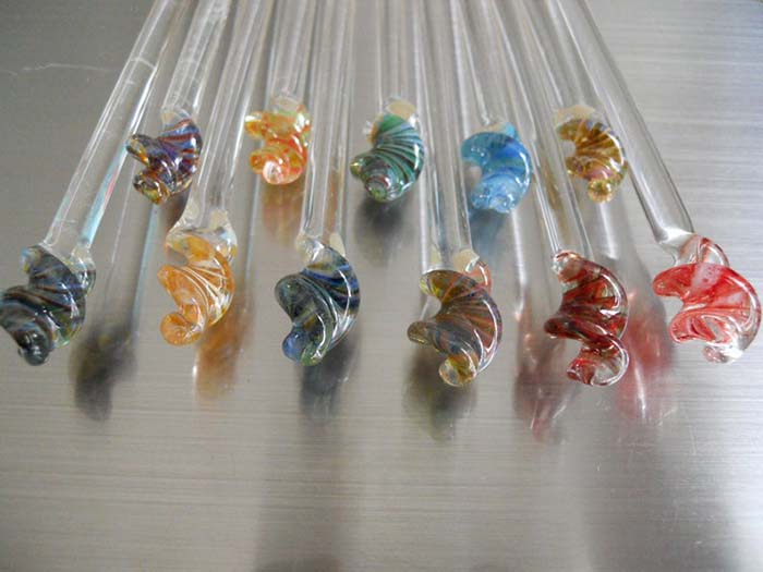 Bending Flow Designs Glass Knitting Needles
