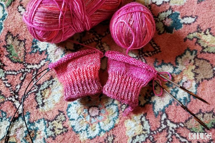 Rosewood Knitting Needles My guide - Pink yarn knitted on rosewood circular needles