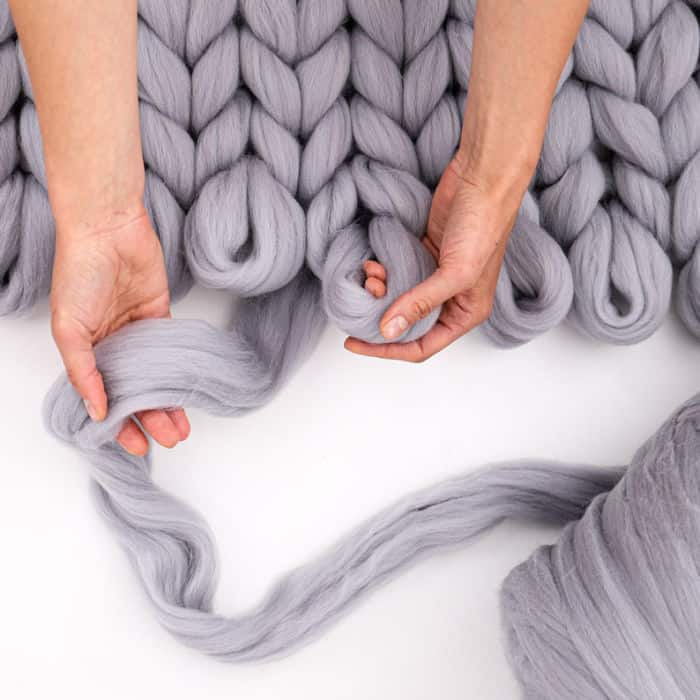 Loops Studio Merino Roving in grey